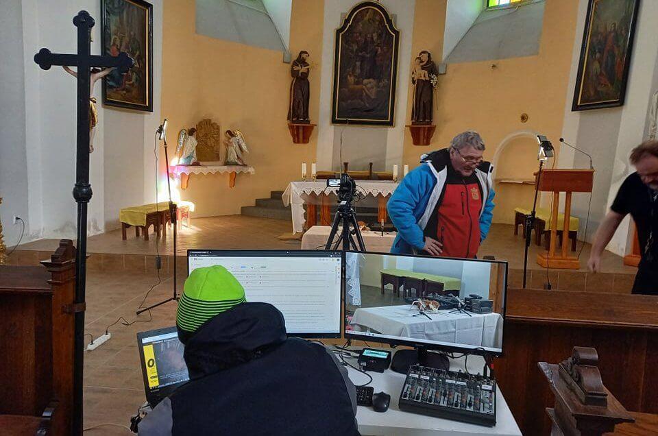 On-line stream s Karin Lednickou ze šikmého kostela již 20. 2. v 17:00